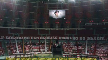 Beira Rio. En cancha de Inter no hubo fútbol, pero si homenaje al Diez.