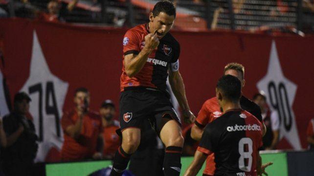 29 de marzo. Ñuls venció 3 a 1 a Huracán en el Coloso con goles de Maxi