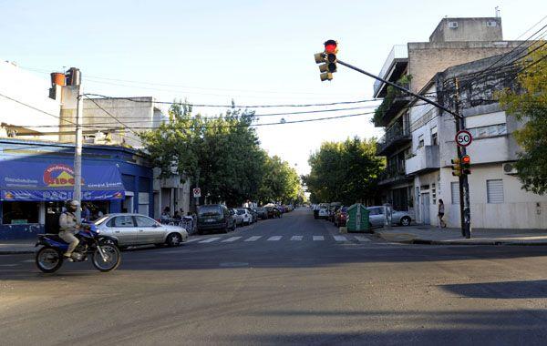 El asalto ocurrió en la esquina de Cafferata y Catamarca. (foto: Virginia Benedetto)