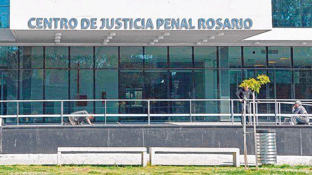 El corazón. La causa que llevó preso a dos fiscales impactó en el centro del Poder Judicial en Rosario.