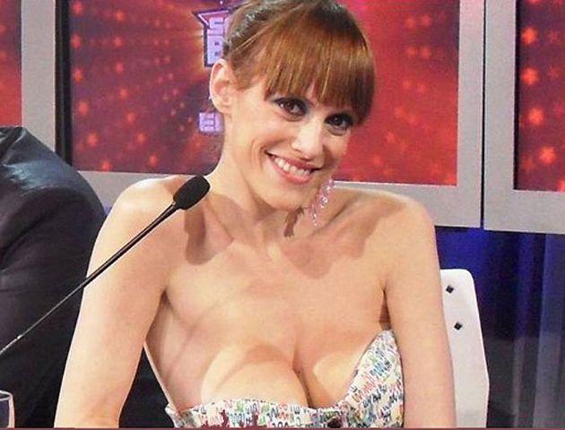 Connie se animó a un desnudo total.