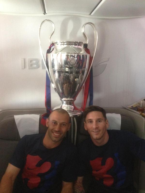 Juntos. Mascherano y Leo harán los primeros movimientos junto a sus compañeros pensando en el choque del sábado ante Paraguay.