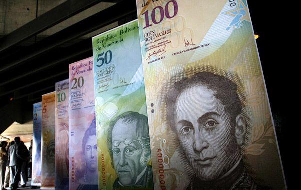 Menos ceros. Una galería muestra los nuevos billetes con la denominación del bolívar fuerte creado en 2008.