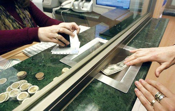 La brecha entre dólar blue y oficial ya superó el 50%