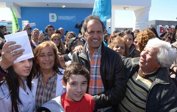 En campaña. Scioli visitó ayer el partido bonaerense de General Rodríguez.