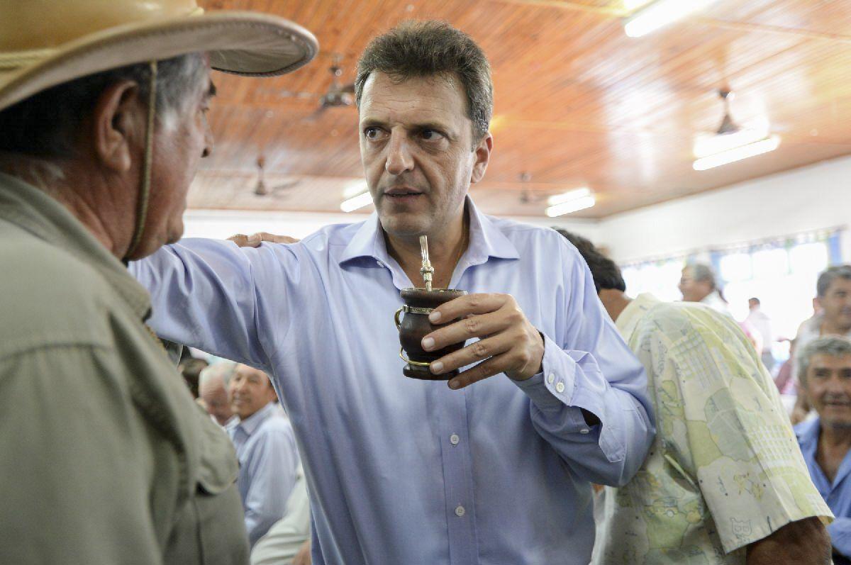 El diputado nacional Sergio Massa dijo que la Argentina necesita menos impuestos al trabajo y a la producción y más impuestos a la timba.