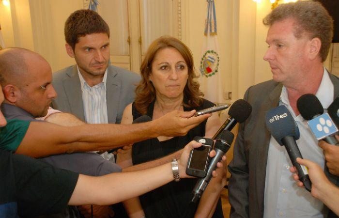 La intendenta se reunió con representantes de la Nación y la provincia por la inseguridad. (Foto: Marcelo Beltrame / Municipalidad de Rosario).
