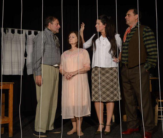 "La obra ""La dificultad"" de Patricia Suárez se verá este sábado. Actúan Julio Chianetta, Andrea López Mediza, Hugo Bruschini y Emilia Sánchez, bajo de Eduardo Ceballos."