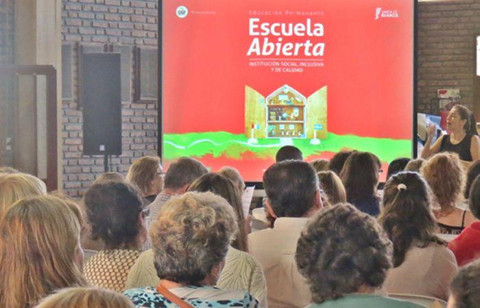 La jornada de Escuela Abierta se desarrolló esta vez con la presencia de los alumnos.