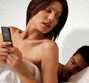 Las redes sociales son espacios de comunicación en los que se arman y desarman parejas.