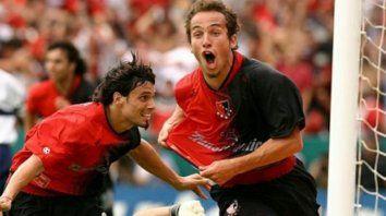 Grito sagrado. Belluschi fue figura en el Newell's campeón del Apertura 2004, de la mano de Américo Rubén Gallego.