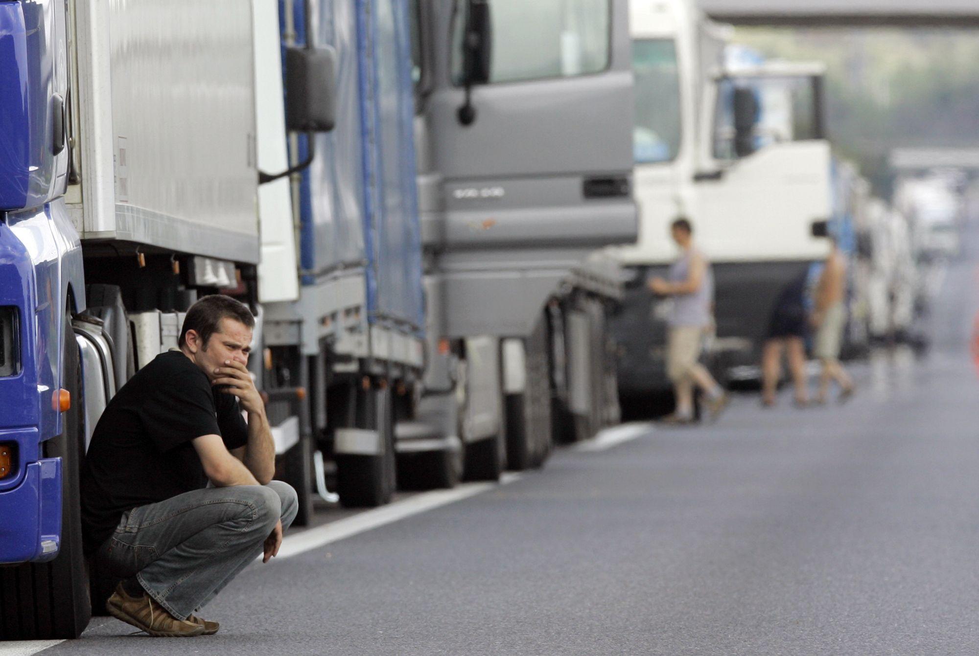 Aumenta la tensión en España por la huelga de transportistas