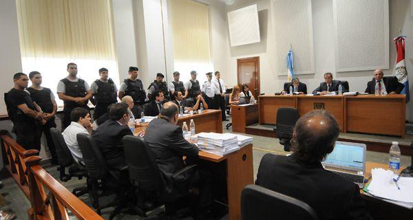El abogado de uno de los imputados por el crimen de Pimpi Caminos dijo que los responsables no están en el juicio