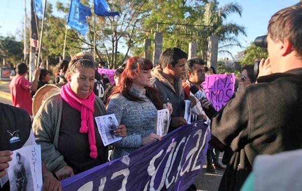 La madre de Melina Romero dijo ayer que se encuentra completamente destruida luego de que en la madrugada reconociera el cuerpo de su hija de 17 años.