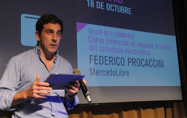 Procaccini explicó que están trabajando con Facebook y Gooble para integrar plataformas en el ciberespacio.