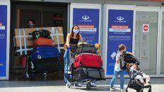 los argentinos que regresen del exterior podran optar por pcr o cuarentena