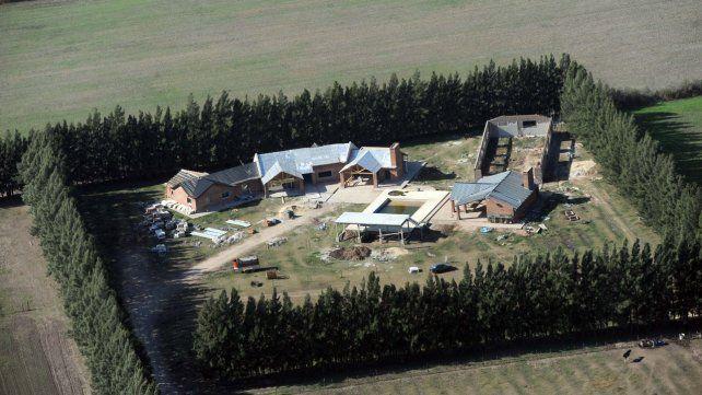 Quinta. Entre los bienes cuestionados figura una propiedad en zona rural de Pérez que se atribuye a Guille Cantero.