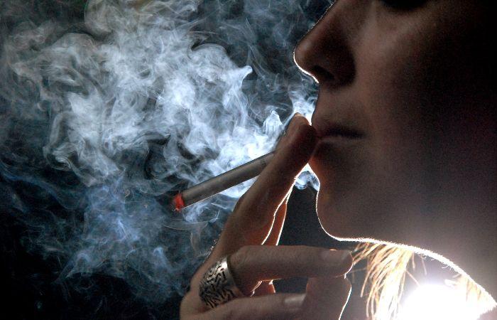 En California ahora hay que tener 21 años para poder comprar cigarrillos