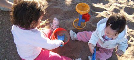 ¿Por qué un niño menor de tres años necesita estar con otros niños?