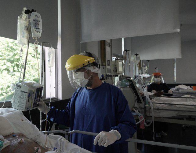 El 30% de las camas de terapia intensiva en sanatorios rosarinos las ocupan pacientes de la región