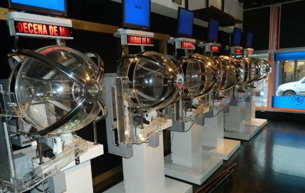 Automáticos. Los bolilleros realizan procesos más transparentes y seguros.