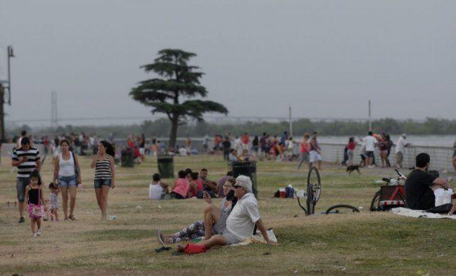 Sábado gris, un poco fresco y con probabilidades de lluvias y chaparrones