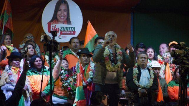 Cierre. Carlos Mesa durante un acto de campaña. Es el primero que puede pelearle la presidencia a Evo.