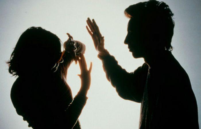 El acusado deberá asistir a un programa municipal contra la violencia de género.