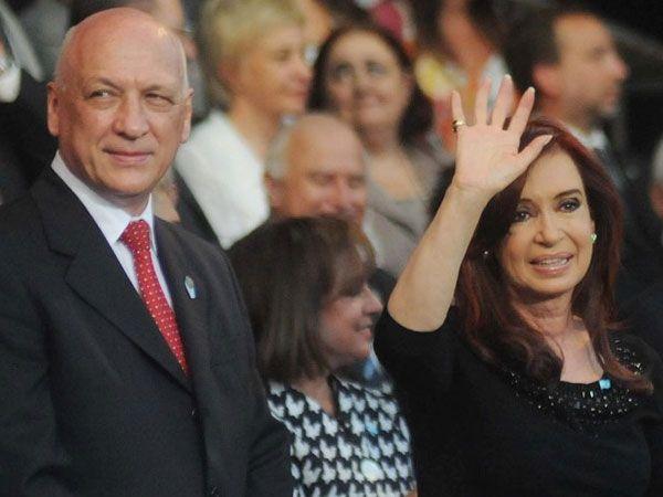 Bonfatti y Cristina mantienen una largar disputa por los fondos de coparticipación federal que llegan a Santa Fe.
