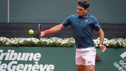 El de hoy fue el tercer partido en 15 meses de Federer, tras dos operaciones de rodilla.