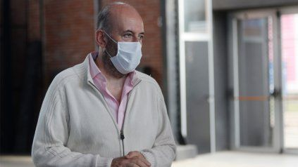 El secretario de Salud de Rosario, Leonardo Caruana, pidió mantener los cuidados pese al retorno de las actividades.