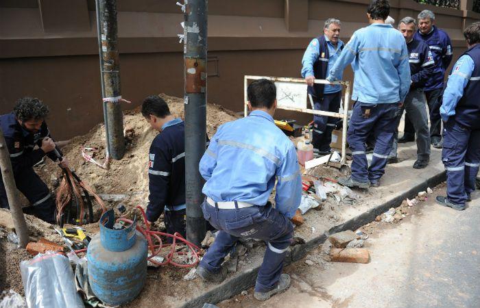 Varias cuadrillas de la EPE se trasladaron hasta barrio Acindar para resolver el problema. (Foto de archivo)
