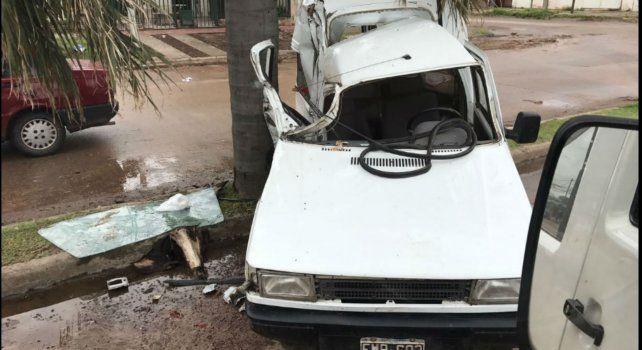 Un colectivo embistió a dos utilitarios en la zona noroeste de Rosario