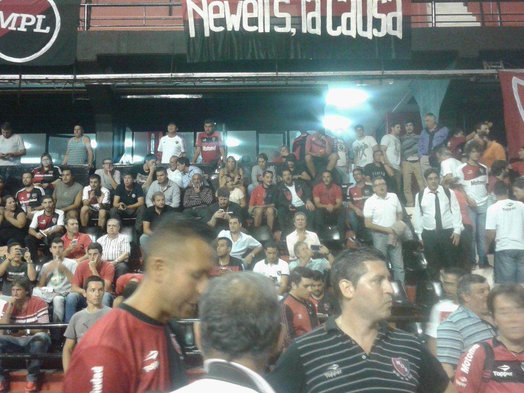 Tras una breve asamblea, se adelantarán las elecciones en Newells para el 19 de junio