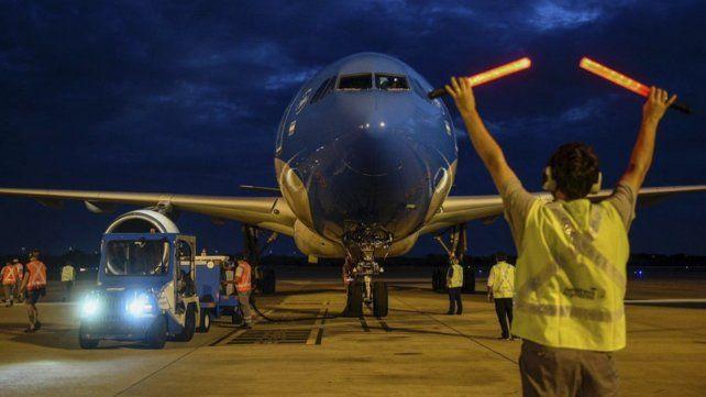 Este sábado en horas de la madrugada partió un nuevo vuelo de Aerolíneas para buscar vacunas Sputnik V a Rusia.