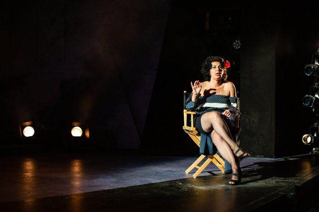 Patricia Suárez interpreta a Tita Merello en una revista musical que destaca la contribución de mujeres compositoras y cantantes de tango.