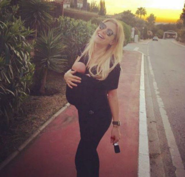 La primera foto de Evangelina Anderson a poco de haber dado a luz a Emma