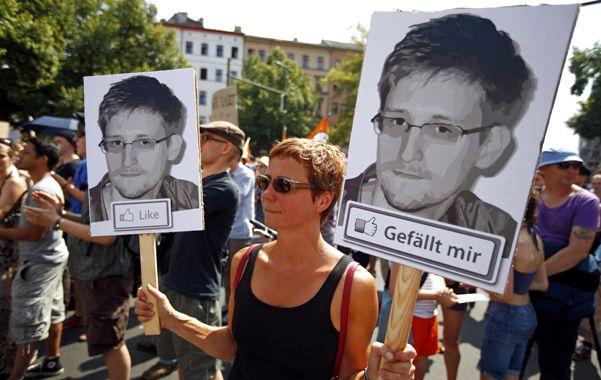 Indignados. Los alemanes salieron a protestar en contra del programa de espionaje estadounidense.