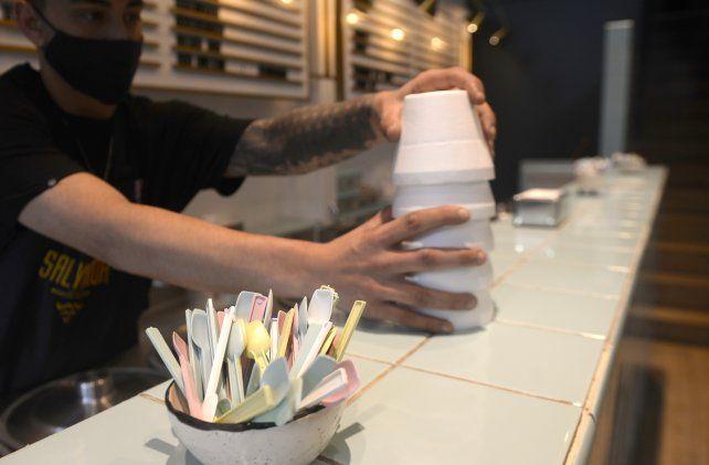 Las cucharas solo se entregarán a quien las pida y se priorizará la utilización de vasitos de pasta.