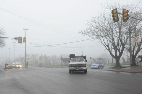 La densa bruma provocó demoras en rutas y vuelos. (Foto: S.S.Meccia)