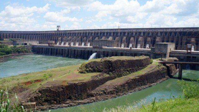 frontera. La central hidroeléctrica Itaipú.