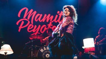 Mamita Peyote reprogramó su show de hoy en el Anfiteatro debido a que tuvo casos de Covid en su grupo. Pero la comunicación que fluyó en algunos portales fue errónea y confusa, y omitieron privilegiar que ayer, jueves 7, volvieron los espectáculos en vivo a Rosario después de casi diez meses.