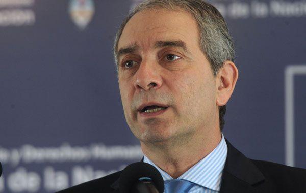 El ministro Julio Alak cargó contra los consejeros Daniel Ostropolsky y Ricardo Recondo.
