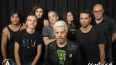 El Zorzi & Les 14. El líder de la banda (centro), junto a su grupo, toca esta noche en Lavardén en una ceremonia compartida con Pablo Jubany.