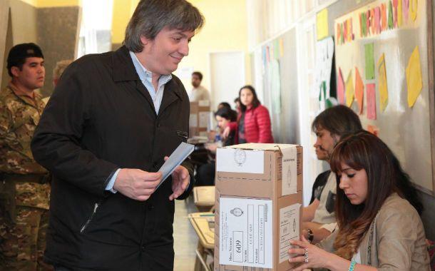 El hijo de la presidenta es precandidato al parlamento por Río Gallegos.
