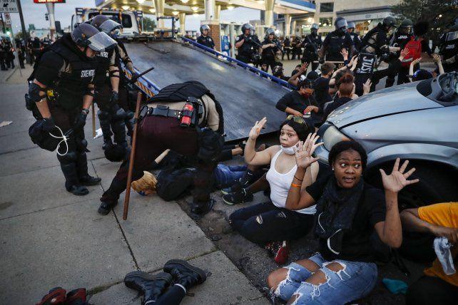 Las masivas protestas contra el asesinato policial de George Floyd recibieron una extraordinaria cobertura. La AP fue premiada por el trabajo de sus reporteros gráficos.