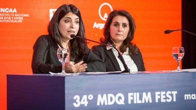 Directora. Cecilia Barrionuevo (izquierda)