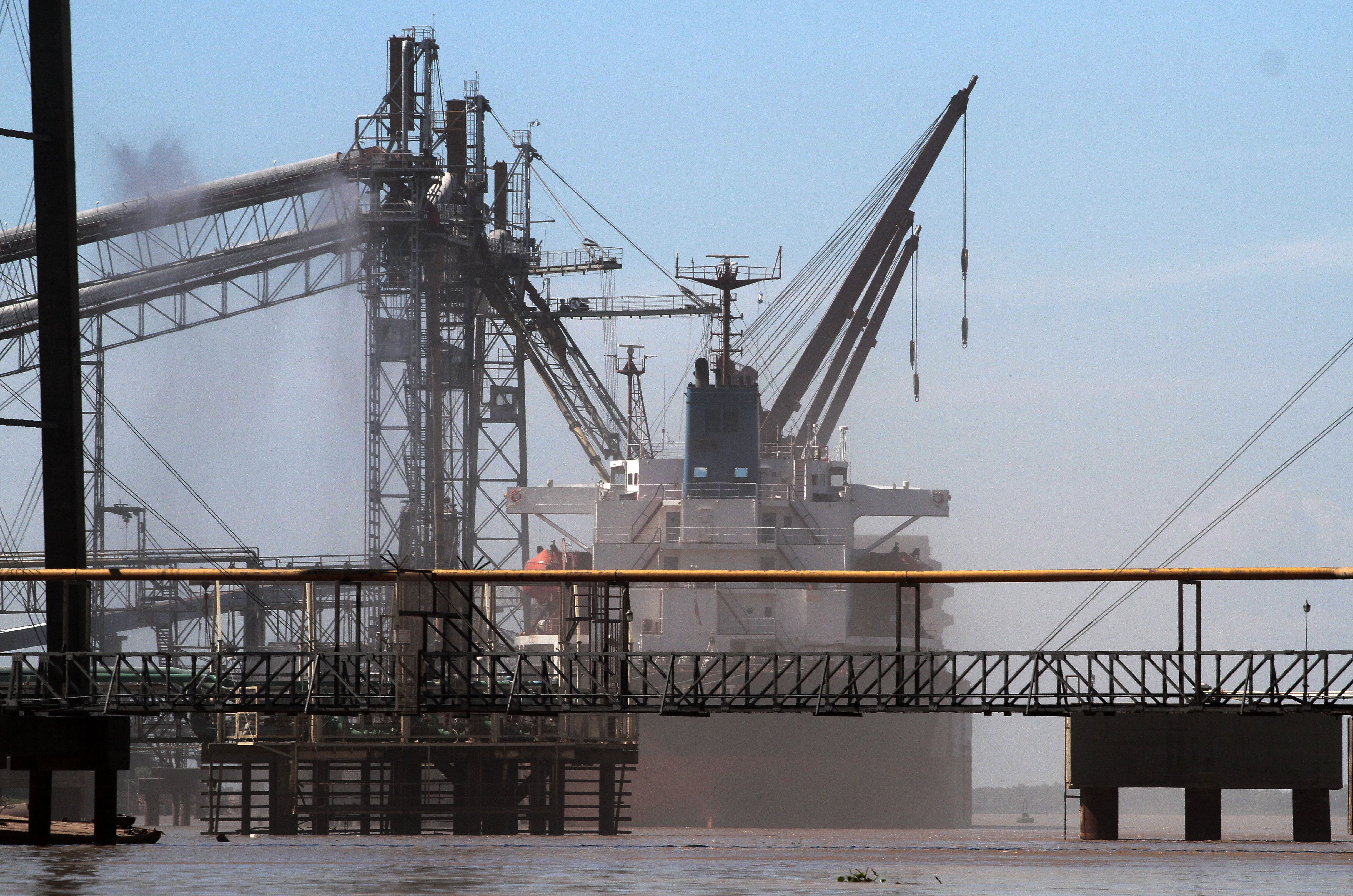 En caída. Casi todos los puertos marítimos y fluviales argentinos perdieron cargas granarias durante 2014.