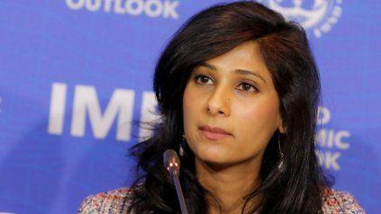 La economista jefa del FMI, Gita Gopinath, presentó las previsiones del organismo.