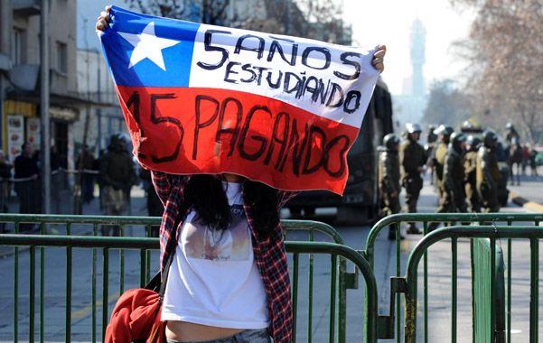 Años de lucha. Los chilenos protagonizaron masivas marchas en reclamo de la gratuidad y calidad de la educación.